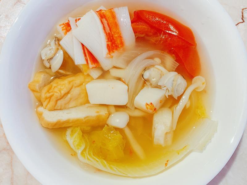 電鍋-蔬菜海鮮湯蛤蜊番茄雪白菇娃娃菜干貝