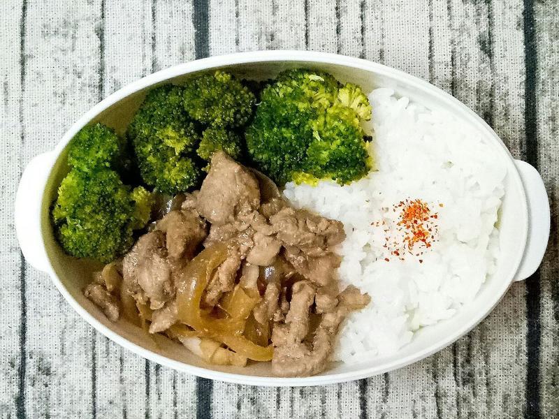 洋蔥豚肉煮