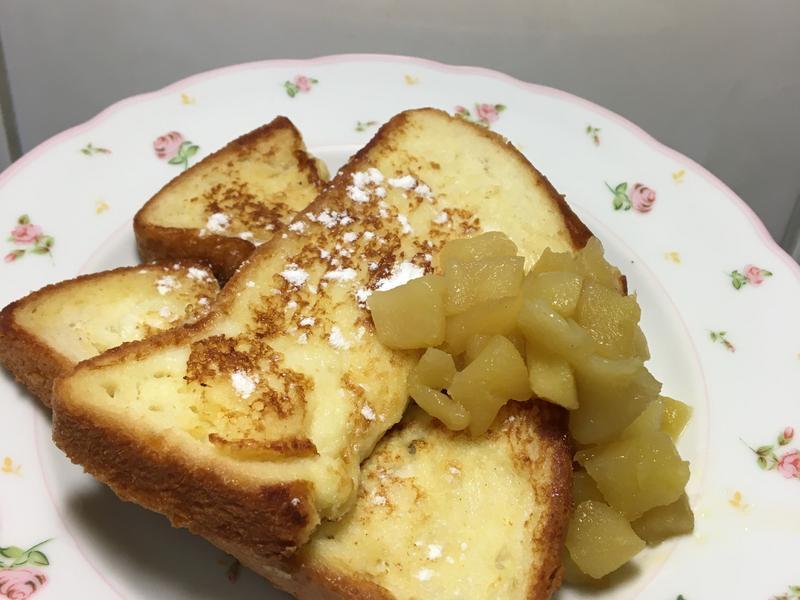 蘋果奶油肉桂法式吐司
