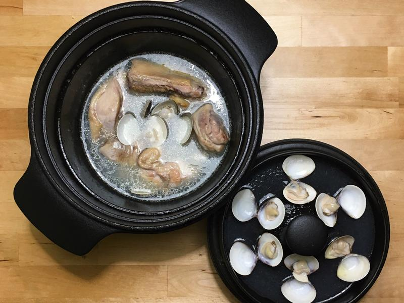 蒜風味蛤蠣雞湯
