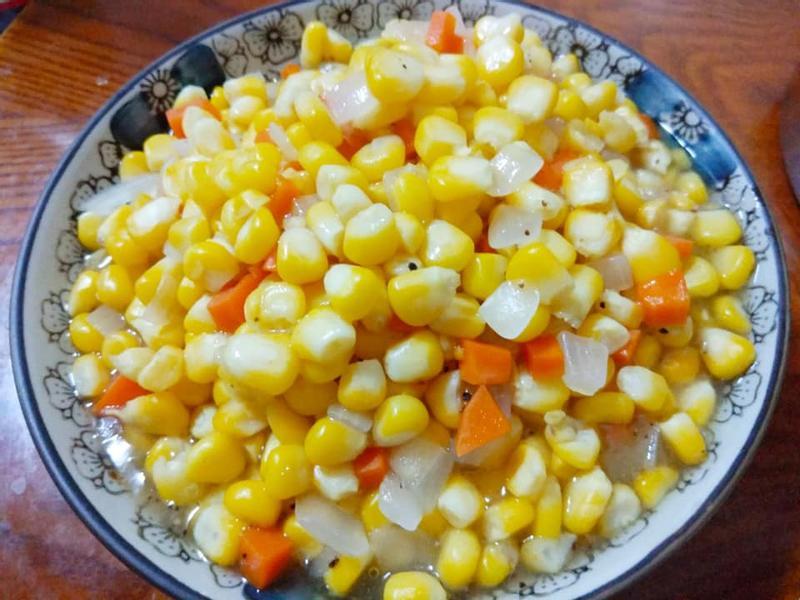簡易家常菜-洋蔥紅蘿蔔炒玉米粒