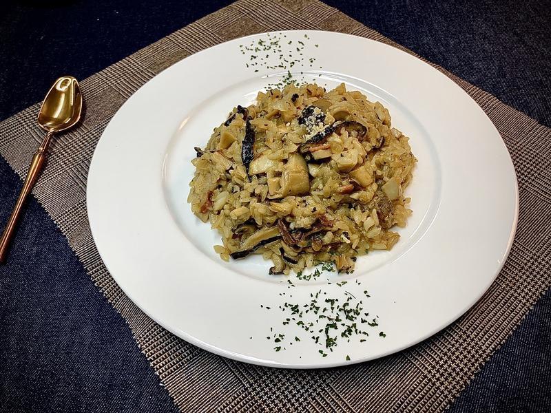 黑松露牛肝菌燉飯