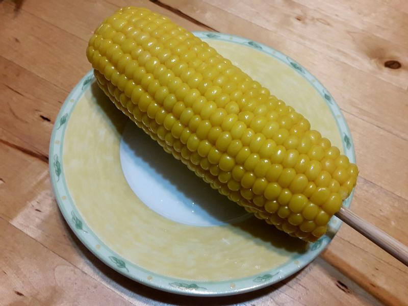 【懶人料理】電鍋奶油「烤」玉米