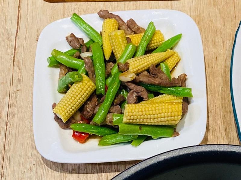四季玉米筍炒肉絲