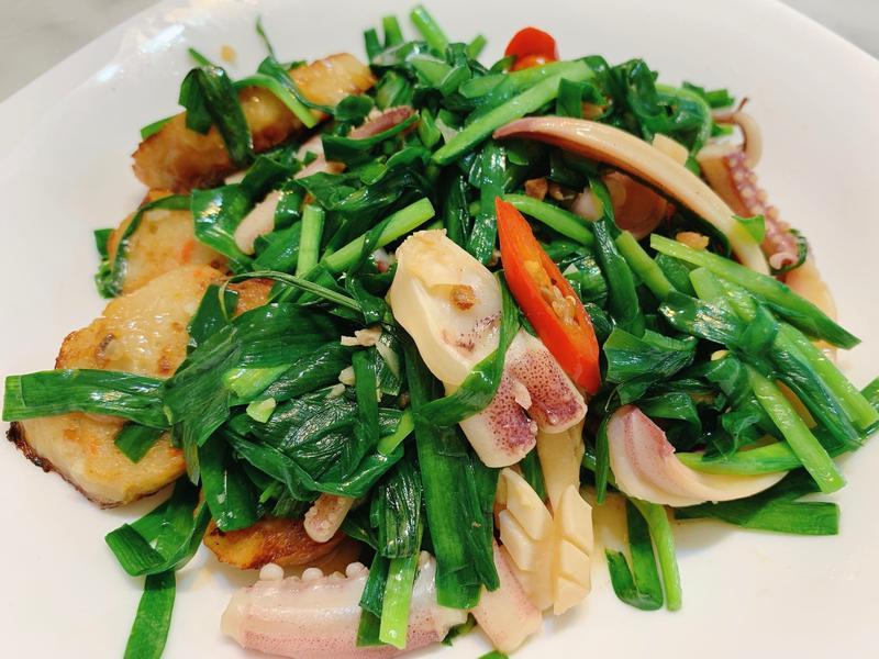 魷魚肉捲炒韭菜
