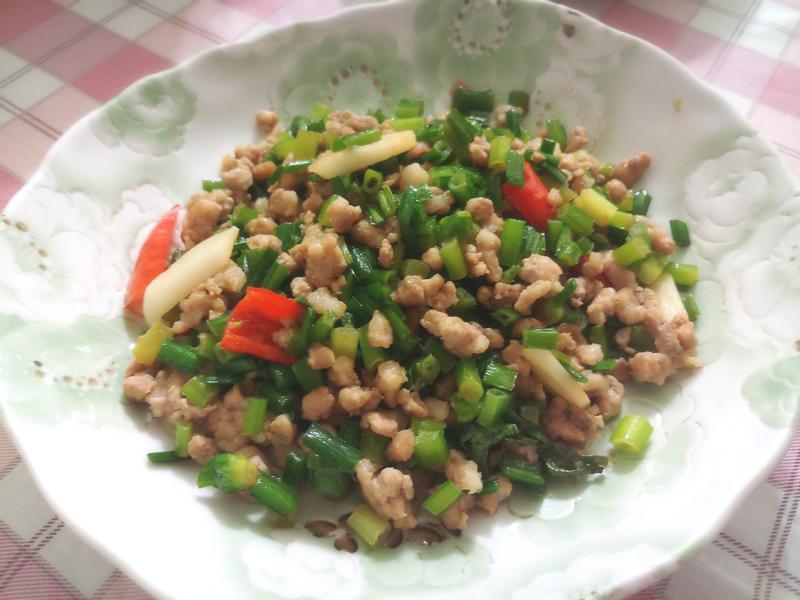 韭菜花炒肉末
