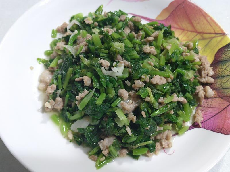醃製蕪菁葉炒肉末