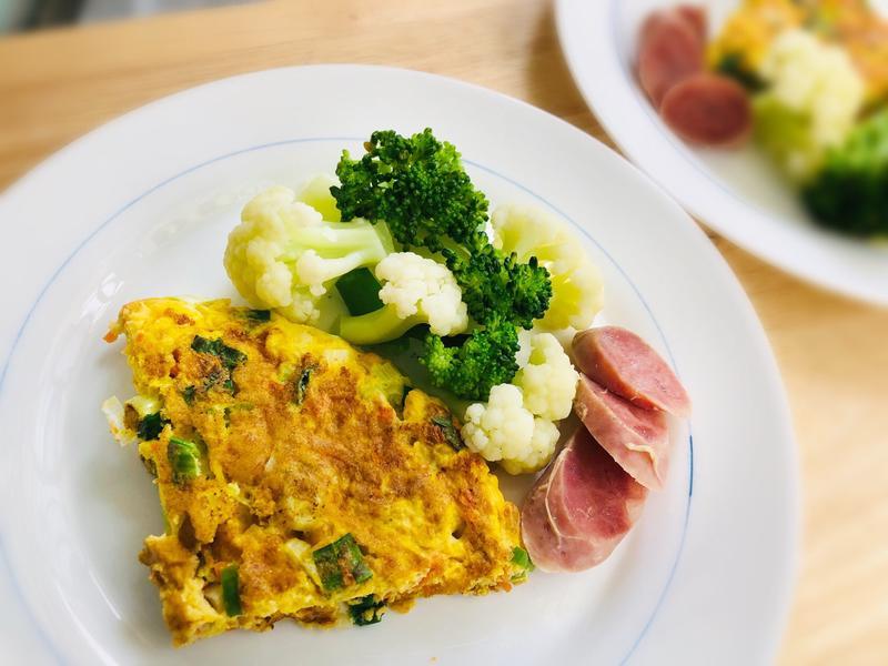 紅蘿蔔蔥花厚煎蛋/低醣早午餐便當清粥小菜