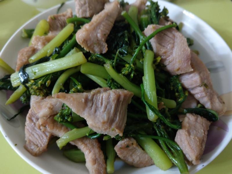 豬頸肉炒青花筍