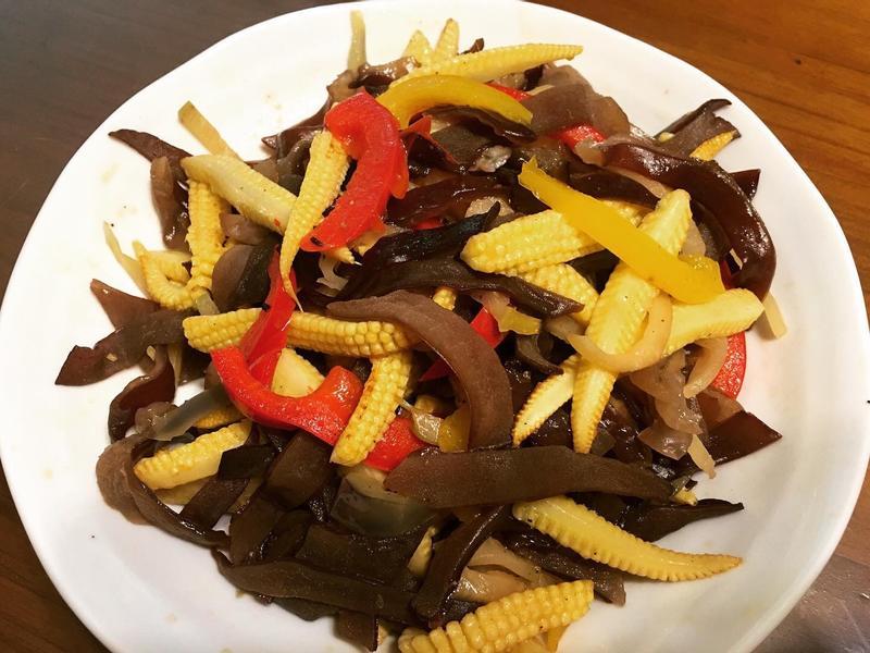 玉米筍炒黑木耳(素食)