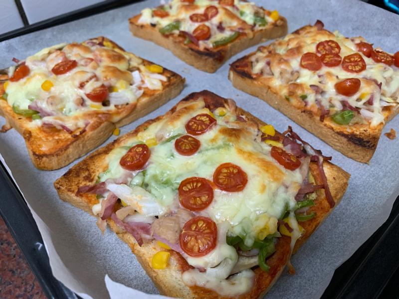 親子料理~吐司披薩