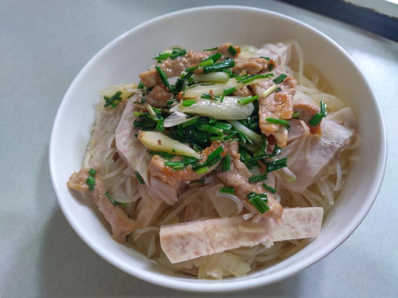 蕗蕎炒肉絲&芋頭米粉