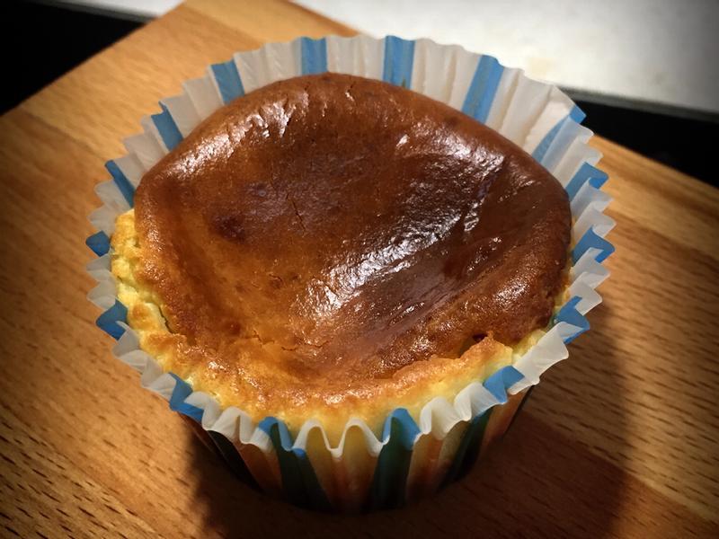 巴斯克乳酪杯子蛋糕
