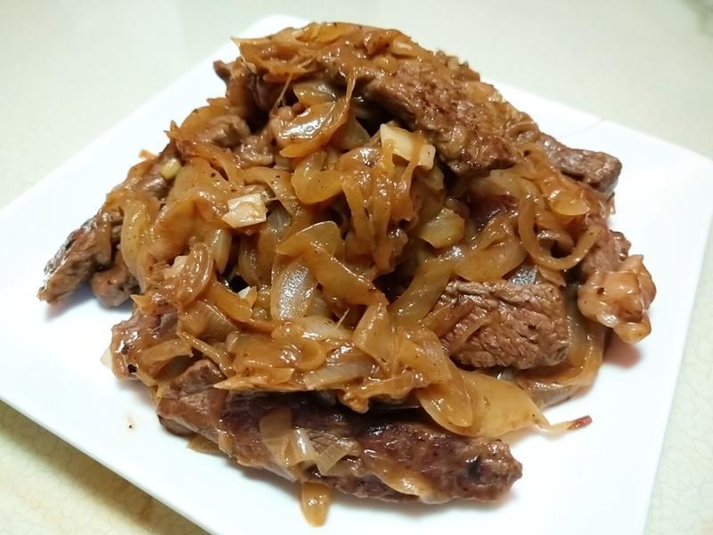 A1醬洋蔥炒牛排