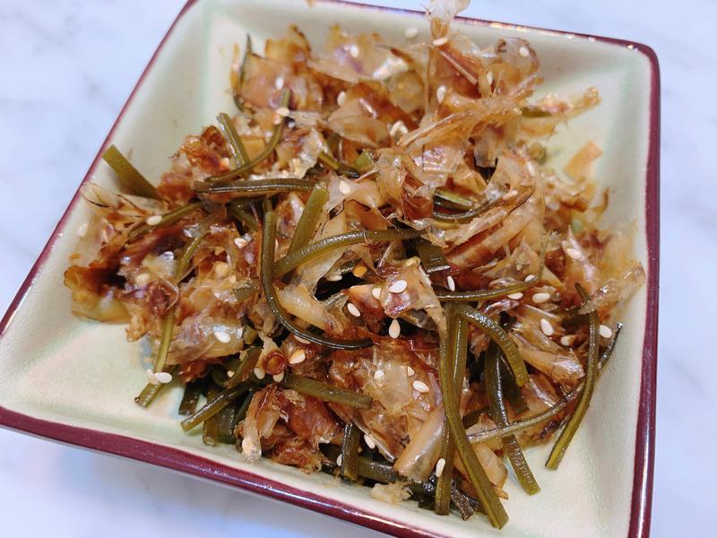 昆布高湯+日式柴魚小菜