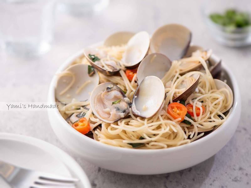 清炒蒜香蛤蜊義大利麵