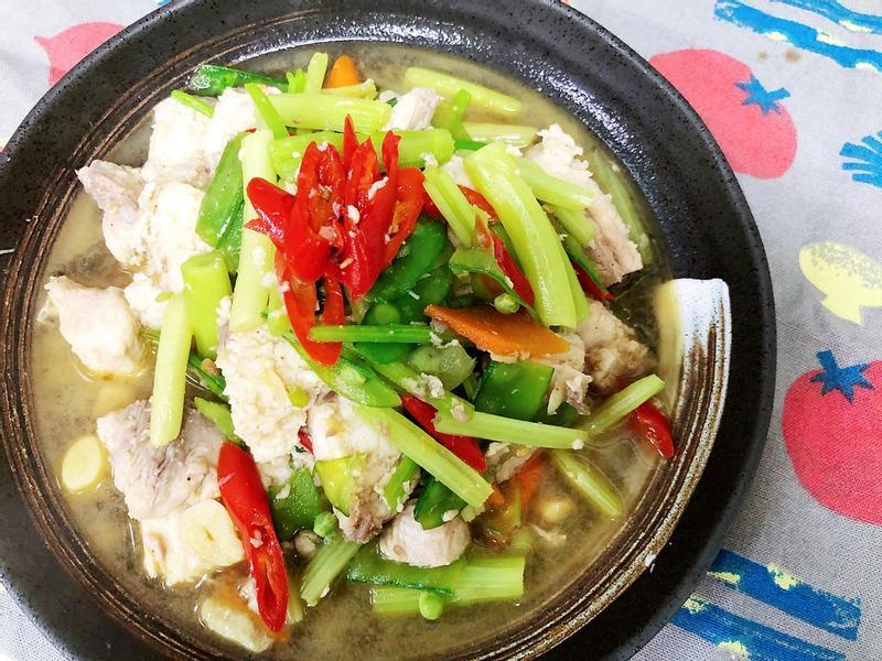 鯊魚炒芹菜