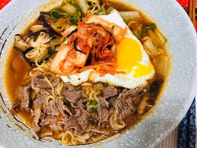 韓式泡菜無骨牛小排湯麵