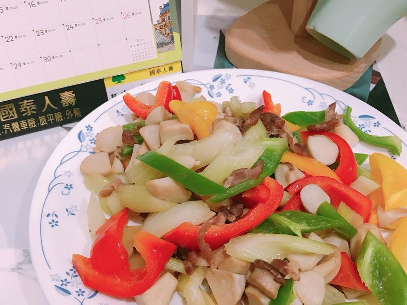 肉絲菇菇三色椒
