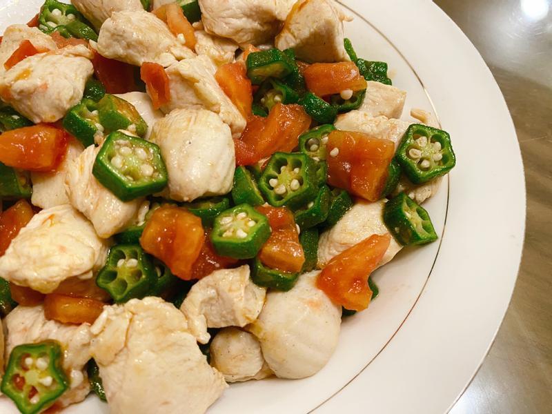 秋葵番茄炒雞丁