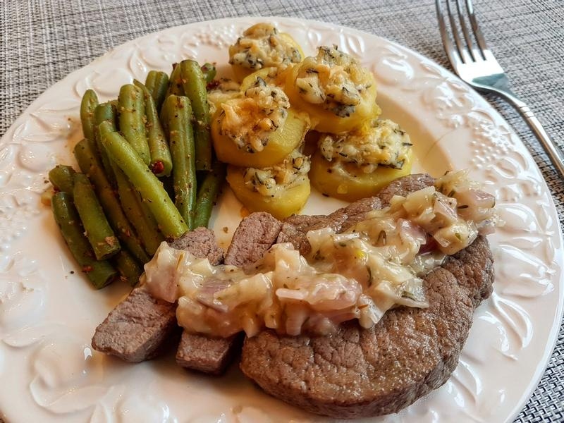 香煎牛排/焗烤馬鈴薯/奶油菜豆