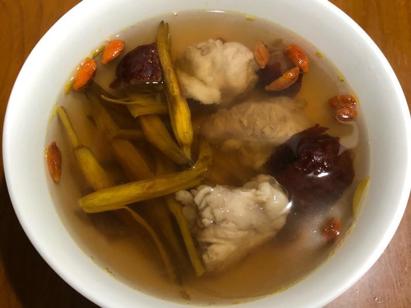高蛋白「金針排骨湯」