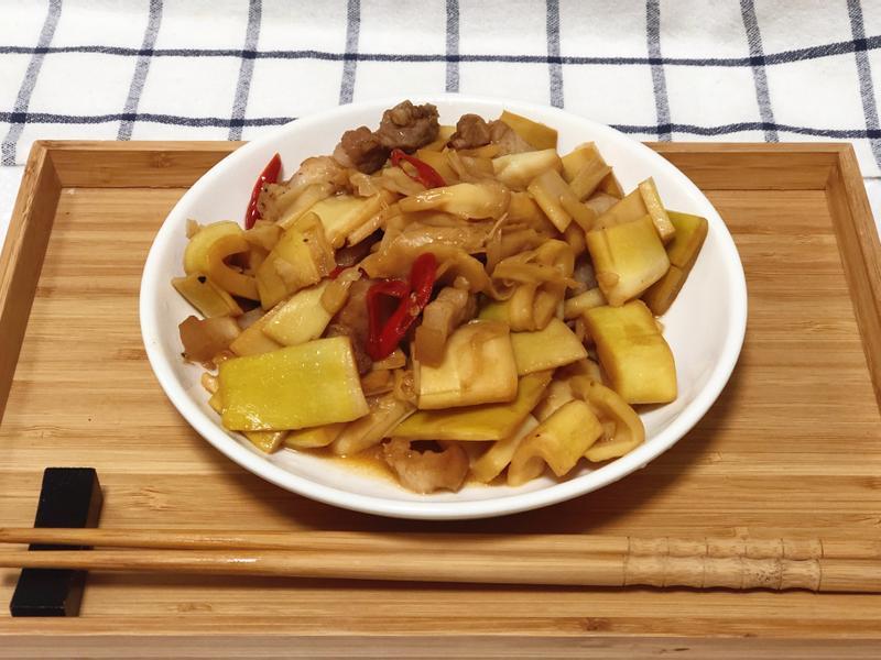 三層肉炒桂竹筍