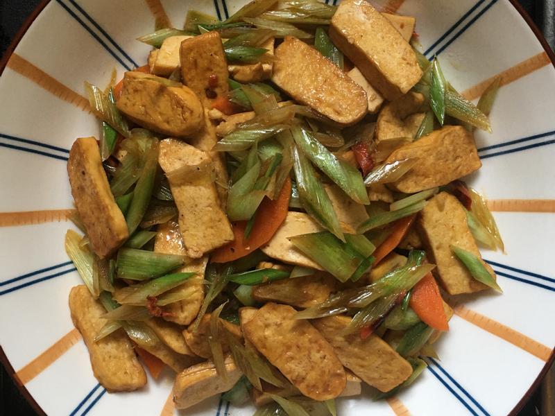 炒豆干碧玉筍(全素)