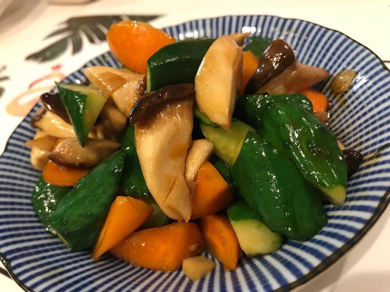 簡易醬燒黃瓜杏鮑菇