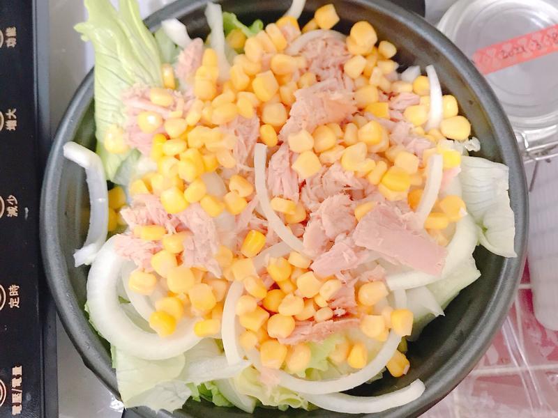 (100%零廚藝)鮪魚沙拉