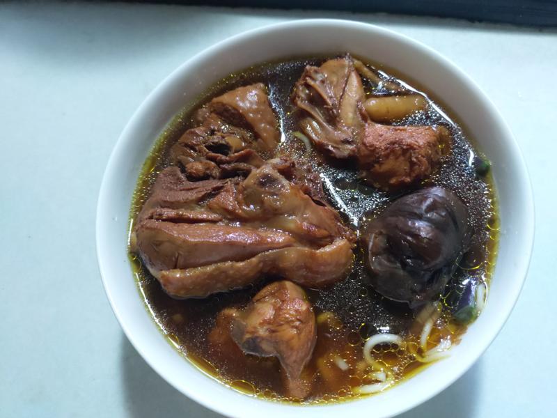黑蒜老菜脯雞湯