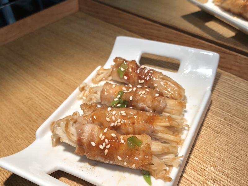 豬五花金針菇烤肉捲