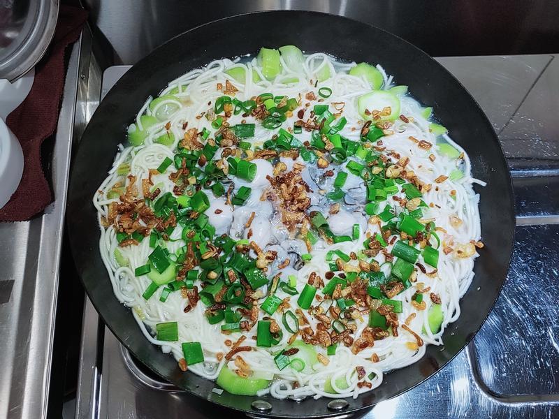 牡蠣絲瓜麵