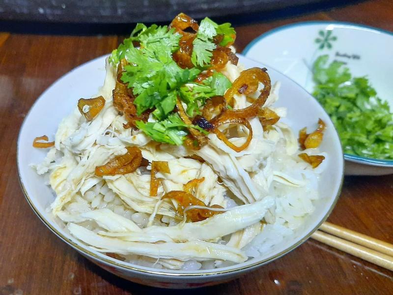 台灣平民小吃 --雞肉飯
