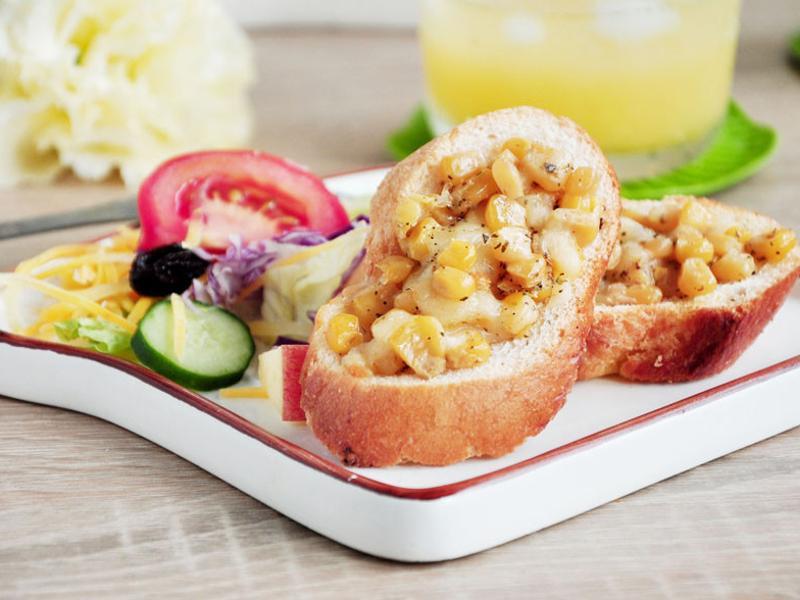 蒜香奶油玉米脆餅