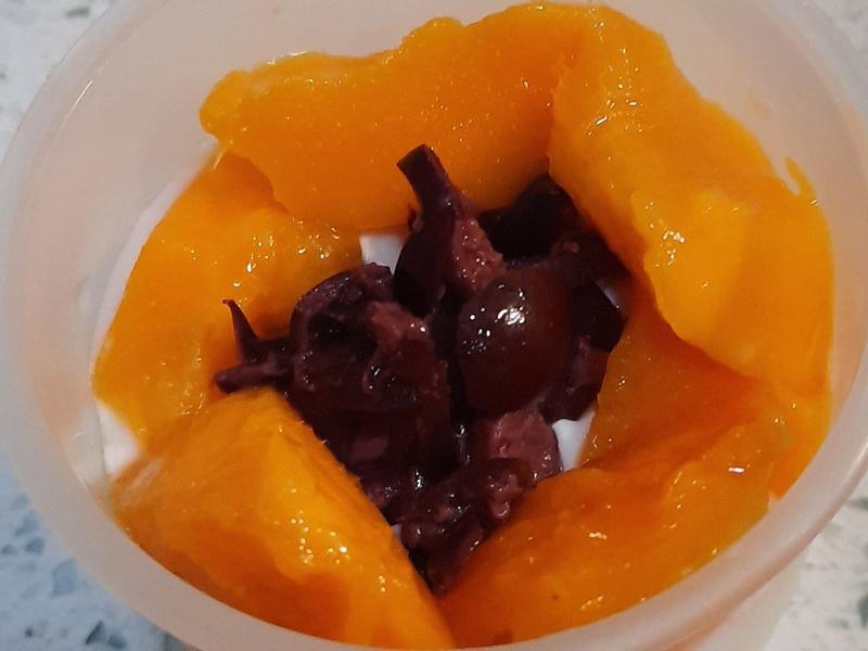 芒果樹葡萄奶酪