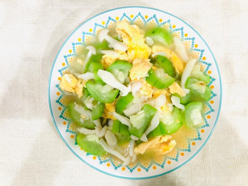 絲瓜雪白菇炒雞蛋