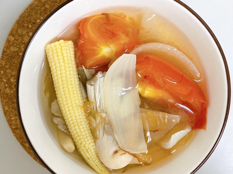 蕃茄洋蔥蔬果湯
