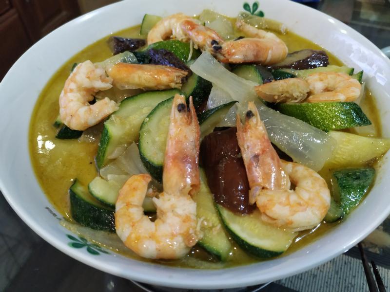 鮮蝦蔬菜綠咖哩