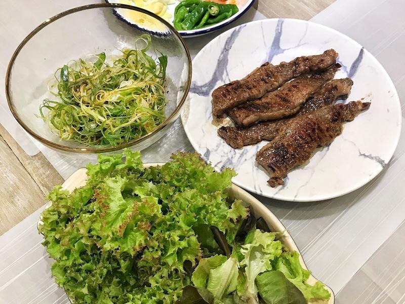 韓式燒烤牛小排包生菜