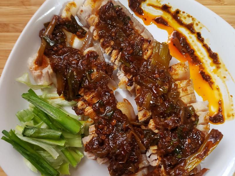 辣椒豆瓣佐五花肉