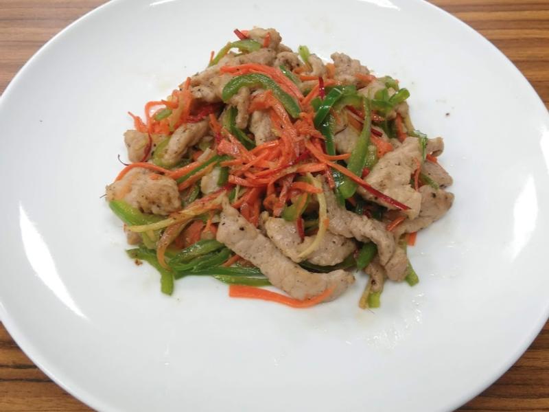 青椒炒肉絲—簡單炒