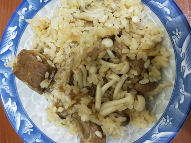 鮮菇排骨炊飯