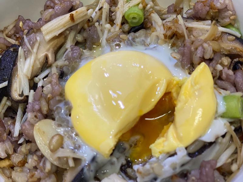 十殼坎菇四季香鬆飯