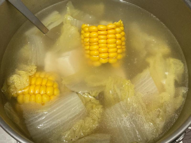 娃娃菜玉米豆腐湯