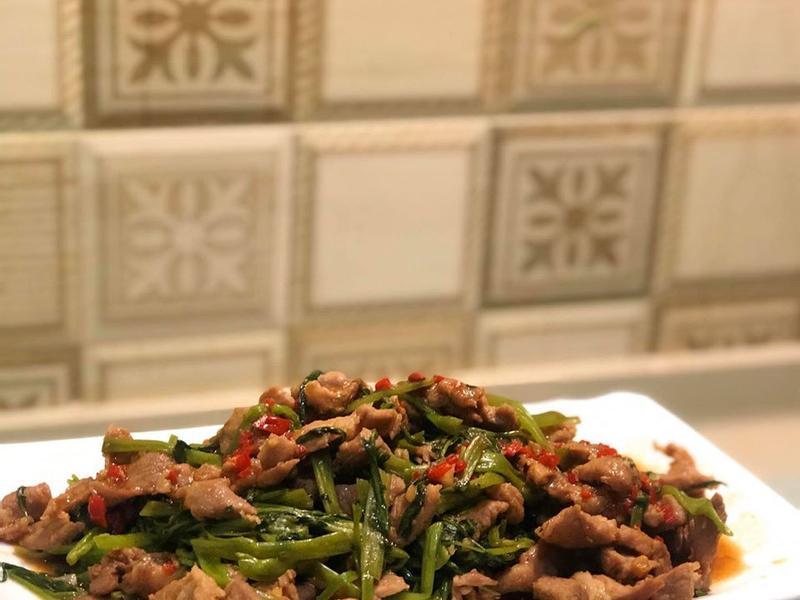 沙茶肉片炒空心菜😋 #肉質鮮嫩不柴