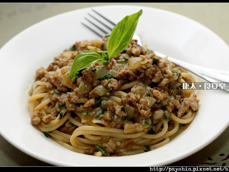 [穀盛綠咖哩] 綠咖哩肉醬義大利麵