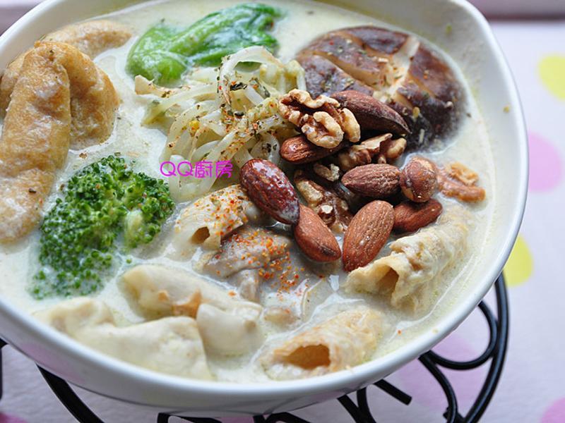【穀盛綠咖哩】綠咖哩豆漿蔬食鍋
