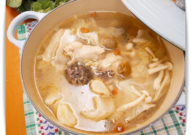 簡單煮「梅子雞湯」好喝的酸甜味。