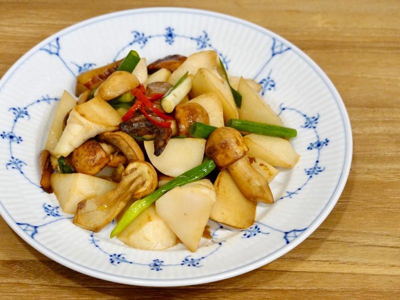 姬松茸炒綠竹筍